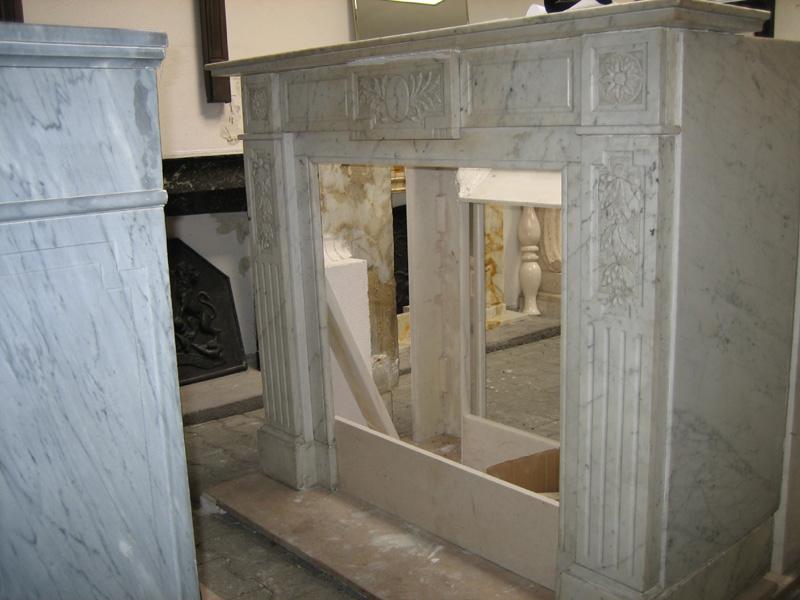 reisinger exclusive kamine antike natursteinfassaden. Black Bedroom Furniture Sets. Home Design Ideas